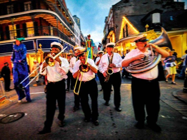 New Orleans French Quarter Brass 600×450